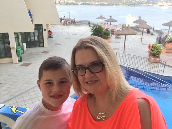 Intertur Palmanova Bay: Fantastic time in sept 2016. Hotel was amazing and the staff very helpful and nice. Great family