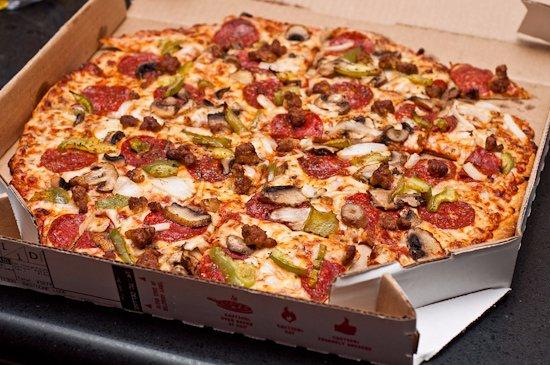 Williams Lake, Canada: deluxe pizza