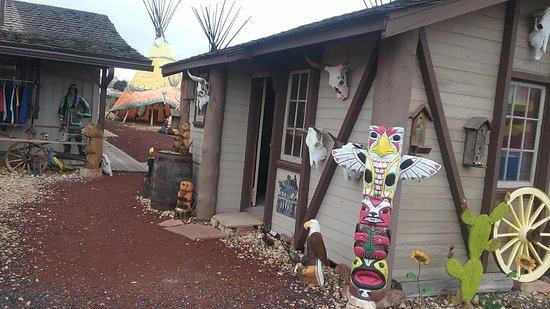 Williams, AZ: down to totem poles
