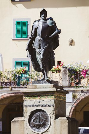 Certaldo, Italia: Giovanni da Verrazzano, the man who discovered the New York harbour. Greve in Chianti