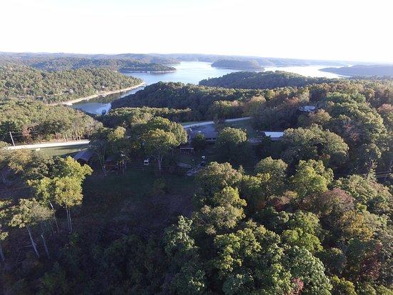 Beaver Lake View Resort: Aerial View looking south.