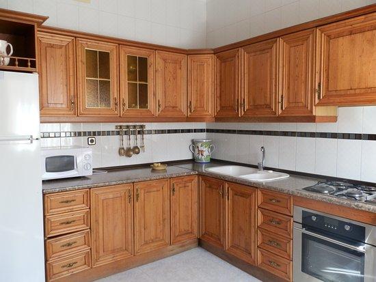 El Robledo, Espanha: cocina de la casa principal