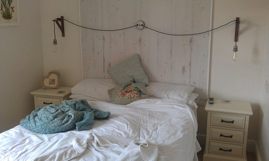 Troutbeck, UK: Not a very spacious bedroom - Rear double 1st floor
