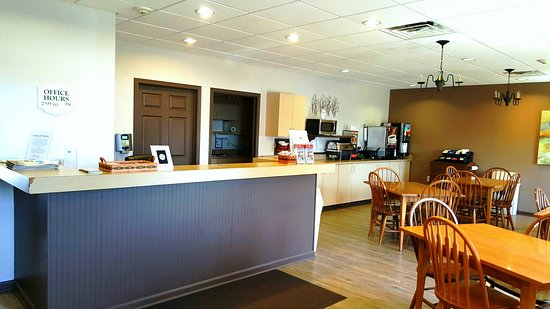 Berlin, OH: Front Desk, Lobby Area where you check in for your stay with us.