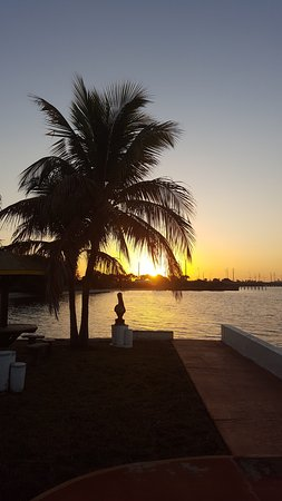 Banana Bay Waterfront Motel: photo1.jpg