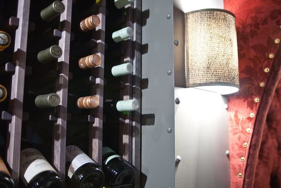 Red Red Wine Bar: 120 + Wines By the Bottle
