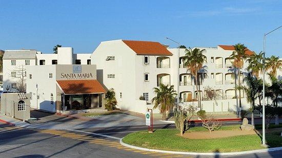 Santa Maria Hotel & Suites: view of hotel from across the street