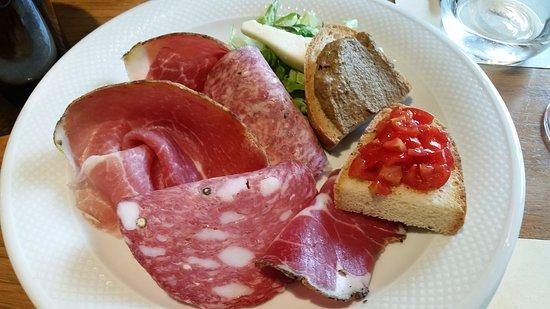 Osteria del Castello: Antipasto típico italiano
