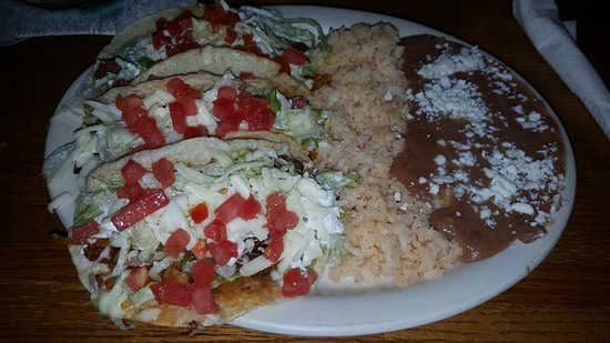 Fairburn, GA: TACOS PLATTER: 3 tacos campechanos (steak, chorizo, onion) on soft corn tortillas, supreme.