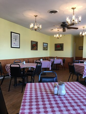 Lovettsville, VA: Main dining area