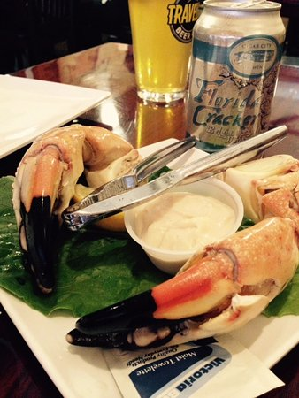 Lighthouse Point, FL: Stone Crab in season and Tampa IPA