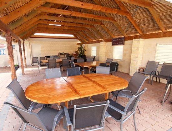 Bunbury Apartment Motel: BBQ facilities