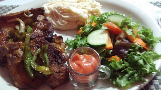 Cenaida's : A great pork chop