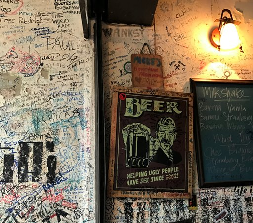 Micke's Place: Writing on the wall