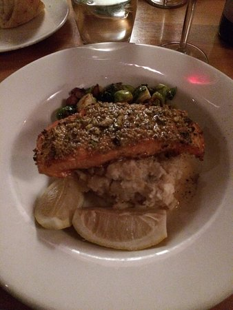 Salmon with crushed pistachio