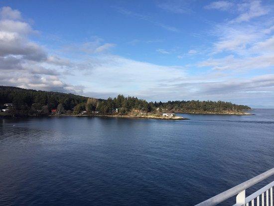 Tsawwassen, Canadá: Vista do Deck 7 para uma Ilha