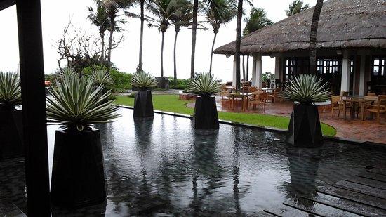 AVANI Quy Nhon Resort & Spa: Loistelias pihapiiri !!
