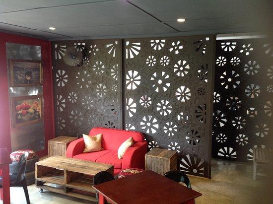 Marondera, ซิมบับเว: A Cozy coffee shop, I love the deco.