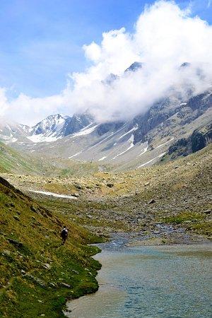 Rohru, Índia: Chandernahan trek / Buran ghati trek Pabbar valley (Chandernahan Lake))