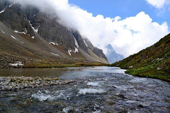 Rohru, Índia: Chandernahan trek / Buran ghati trek Pabbar valley