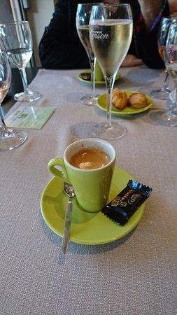 Lacotel Hossegor lac: et le petit café pour finir avec son chocolat et ses madeleines maison