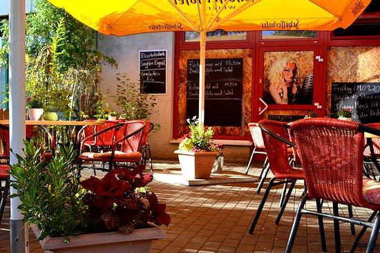 Neubrandenburg, Tyskland: Unser Biergarten in ruhiger Lage