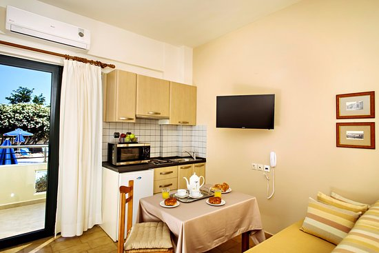 Lefka Apartments: Studio apartment. All units have fully equipped Kitchenette