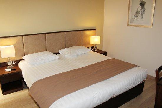 hotel pension rea h raklion gr ce voir les tarifs 26 avis et 69 photos. Black Bedroom Furniture Sets. Home Design Ideas