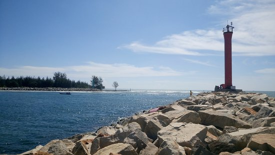 Lentera Merah Beach