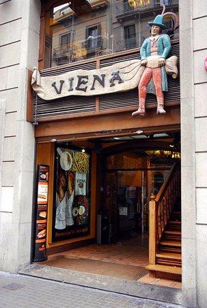 Viena : A las afueras del Restaurante.