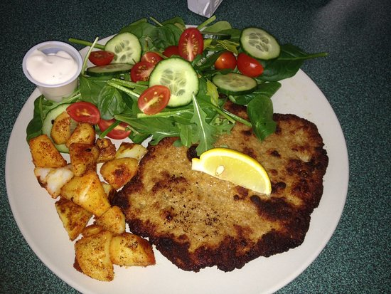Piccolo Cafe Plus: Schnitzel plate