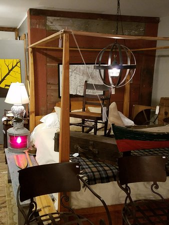 Phillipsburg, NJ: Some of the larger items for sale