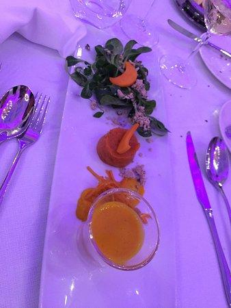 Grand Hotel du Lac: Bellissimo hotel ma personale ristorante sgarbato e IMPREPARATO.  Da prendere a sberle il caposa