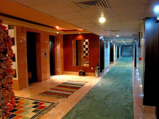 Hotel Persepolis: passageway