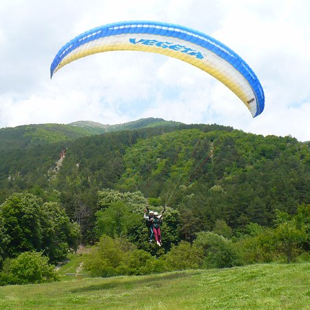 Sopot, Bułgaria: Best place for Tandem Paragliding