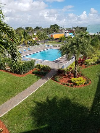 Budgetel Inn & Suites Pompano Beach