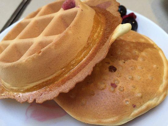 Maple Tree Inn: ホカホカで美味しい。ベリー類をそえると、アメリカの家庭の朝ごはんになります。