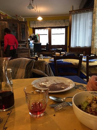 Pont-Saint-Martin, إيطاليا: Scorcio della piccola sala