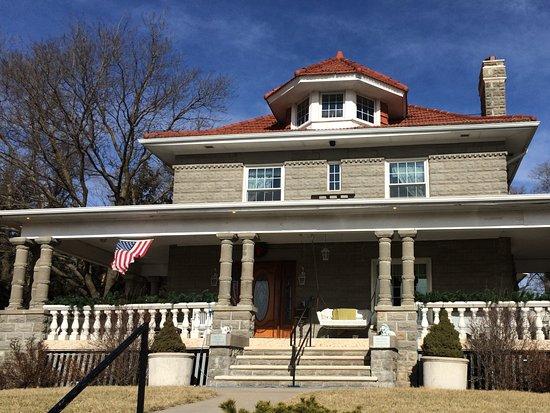 Walton, NE : Leavitt Housr