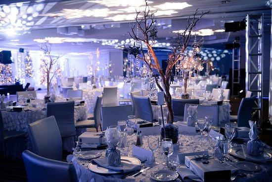 Delta Hotels par Marriott Montréal : Holiday banquet setup