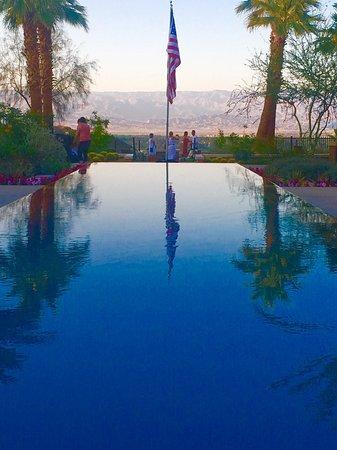 The Ritz-Carlton, Rancho Mirage: Take Frank Sinatra Drive up to the Ritz
