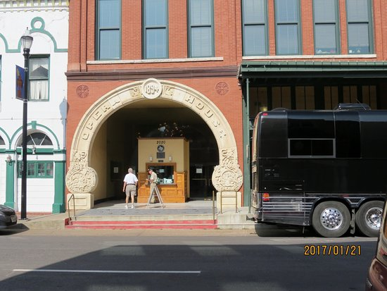 Grand 1894 Opera House: Entrance