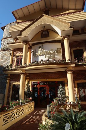 Holiday Sapa Hotel: Front entrance