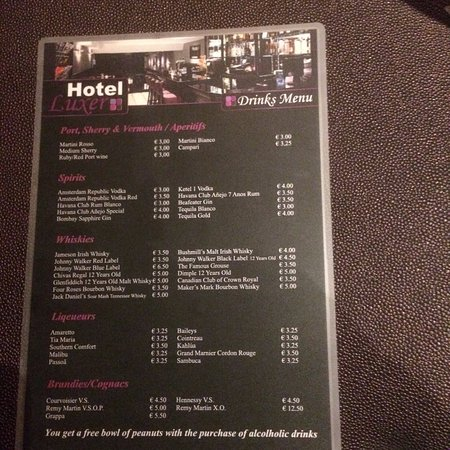 Hotel Luxer: Reasonable 24 hour bar prices!