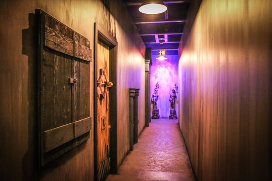 Escape Room Enchambered