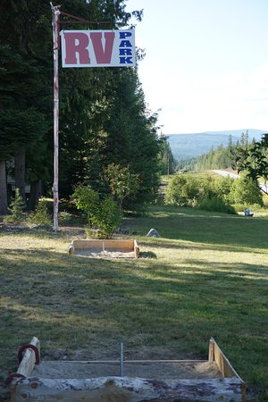 Moyie Springs, ID: Horseshoes are always fun:)