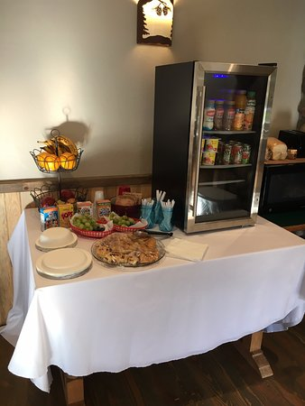 Moyie Springs, ID: continental breakfast