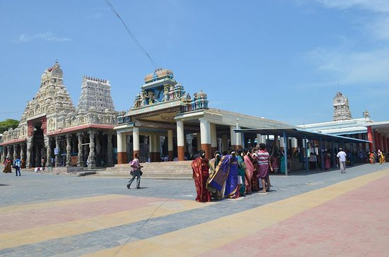 Thiruchendur, India: tiruchendur beach temple