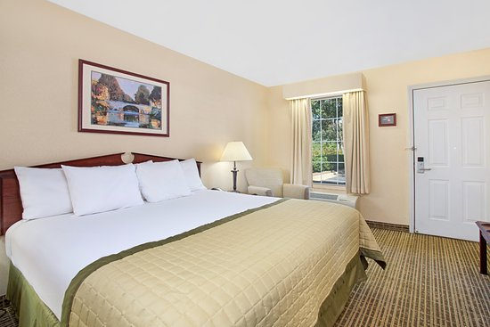 Forest City, Carolina del Norte: Handicap King Size Room (Limited Availability)