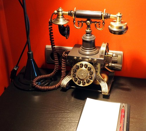 "Hotel Telegraaf: A new ""old style"" telephone keeping with the ""telegraph"" theme"